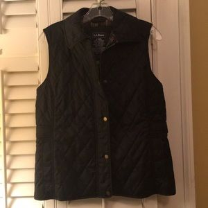 LL Bean quilted vest lined with plaid